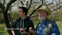 Jaz sem kmet :) Jabolko ne pade daleč od drevesa